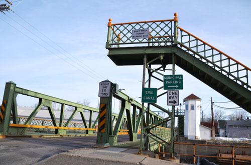 Albion lift bridge