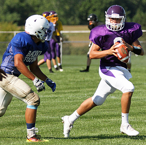 082716_CW_Football scrimmage 1