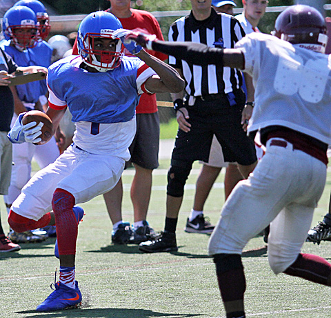 082716_CW_Football scrimmage 4