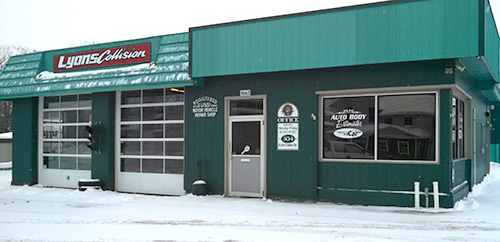Lyons Collision storefront