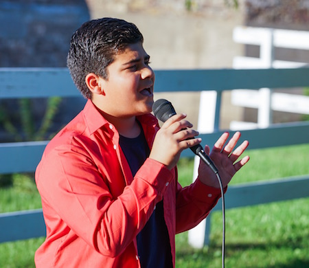 "Qasim performs ""Marry You"" by Bruno Mars."