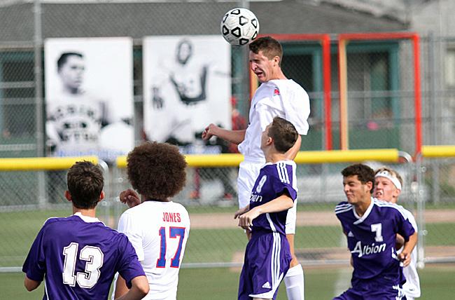091716_cw_boys-soccer-1