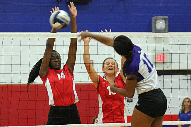091916_cw_volleyball-2