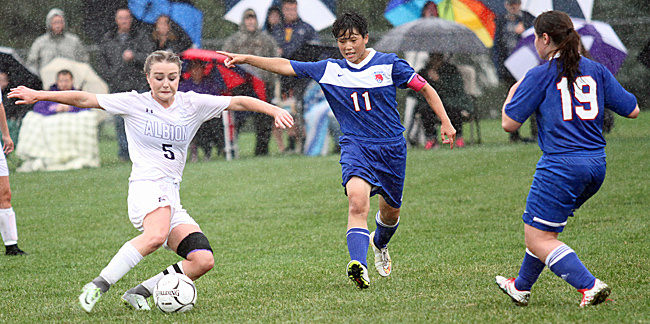 100816_cw_girls-soccer-1