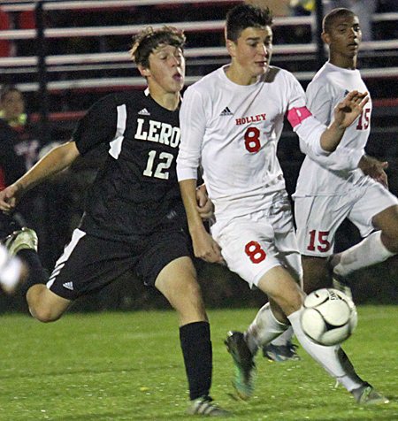 101916_cw_holley-boys-soccer-1
