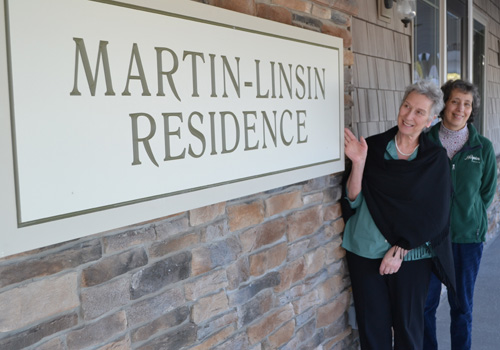File photo by Tom Rivers: Mary Anne Fischer is pictured with Cora Goyette, who served as Hospice's development director during the campaign to build the Martin-Linsin Residence.