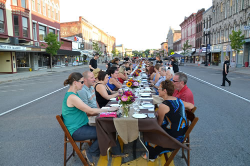 Volunteers from the Orleans Renaissance Group planned a first ever Farm-to-Table Dinner event in Medina on Aug. 4 that proved popular with 137 people enjoying the fine dining experience on a closed off section of Main Street. The event was a fund-raiser for Medina's farmers market.