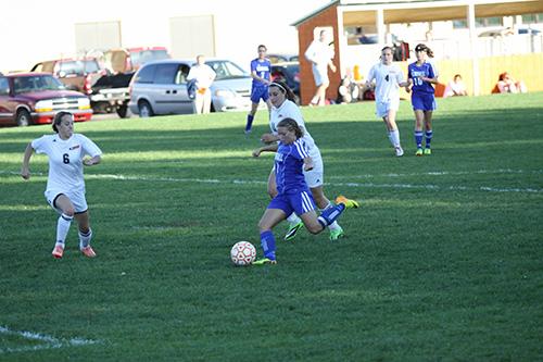 101413_cw_kendall-girls-soccer