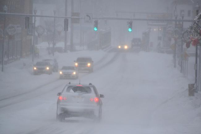 121516_snowstreet