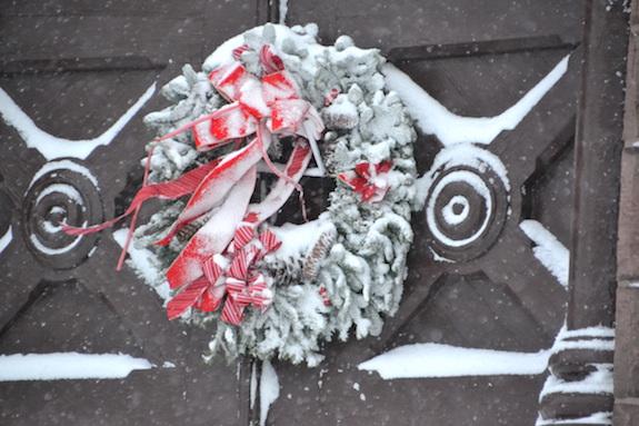 121516_snowwreath