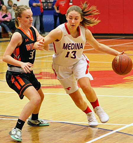 011017_cw_girls-basketball-2