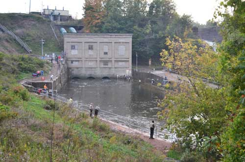 Oak orchard roars at waterport dam wny pages for Oak orchard fishing report 2017