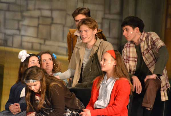 The Christmas Pageant.Theater Returns To Albion Stage With The Best Christmas